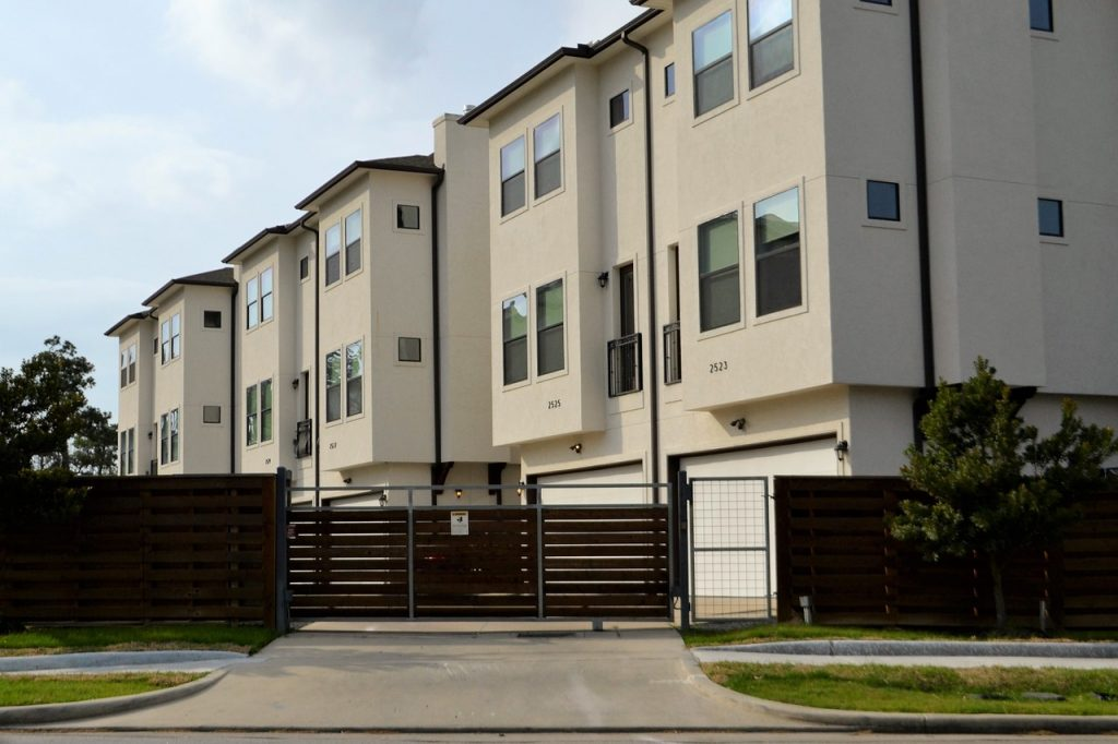 Is it worth it to buy a duplex? | Duplex apartment building