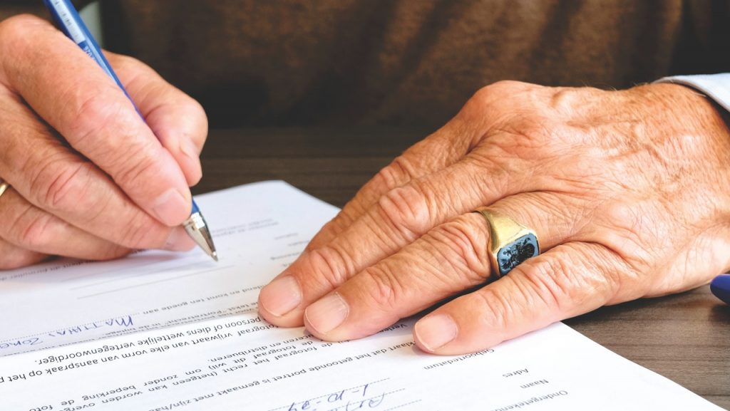 Can you sell your home with title issues? Signature on paper