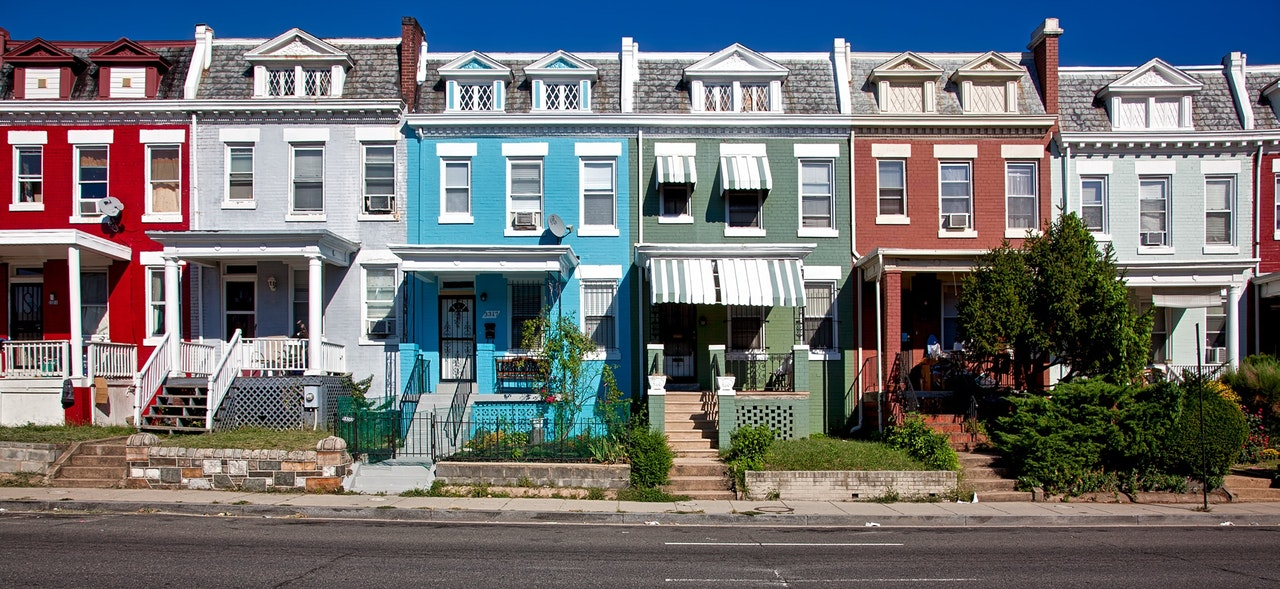 Should you befriend your neighbors? | Neighborhood image