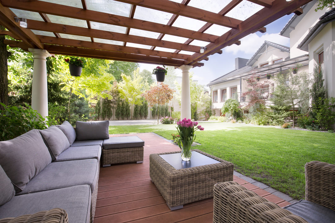 How To Build A Luxury Backyard On A Budget - National Cash ...