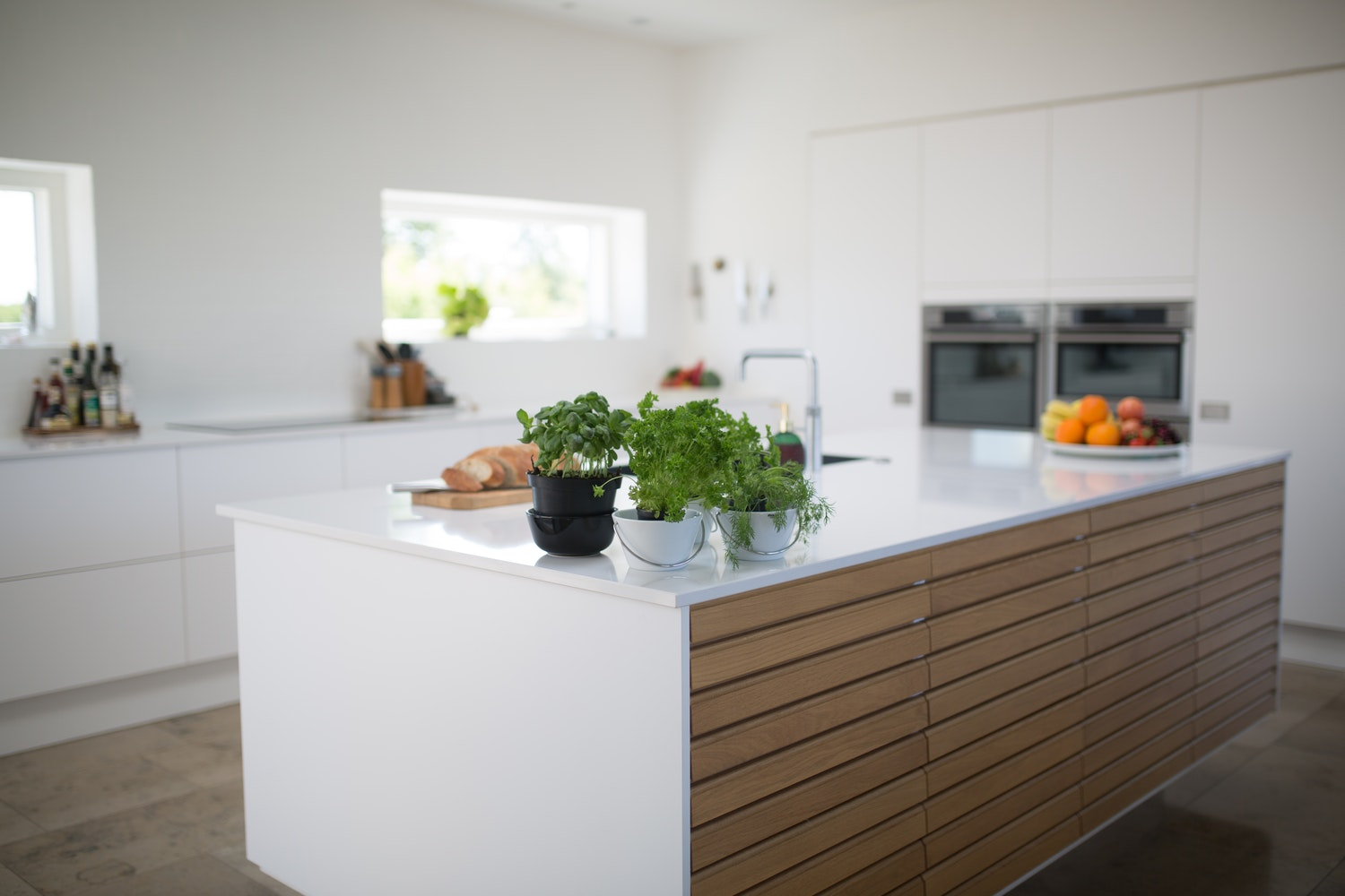 How To Organize Your Kitchen and Get Rid of Clutter ...