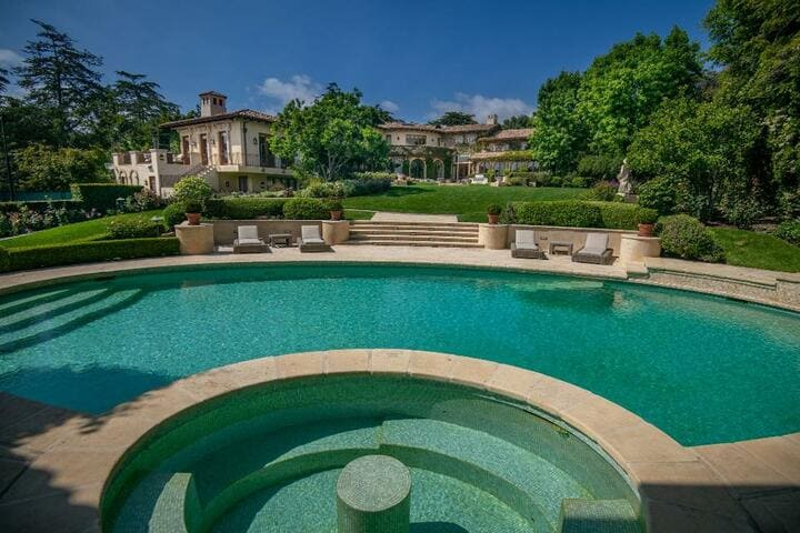 Sugar Ray Leonard Los Angeles home pool
